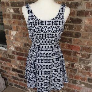 H&M DIVIDED AZTEC PRINT SLEEVELESS DRESS
